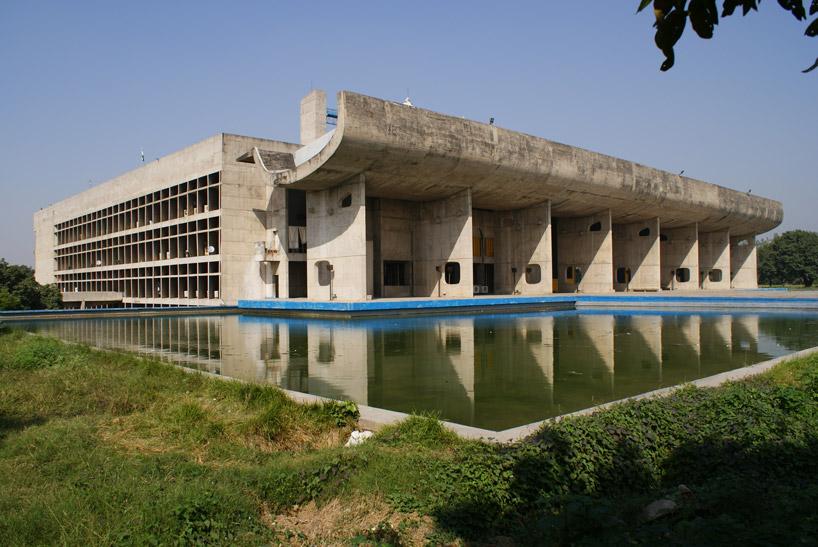 ciudad del este hindu personals Visitaremos el palacio de la ciudad, del siglo xviii, con sus siete plantas, una mezcla perfecta de estilos, mogol, rajput y europeo  este hermoso edificio fue .