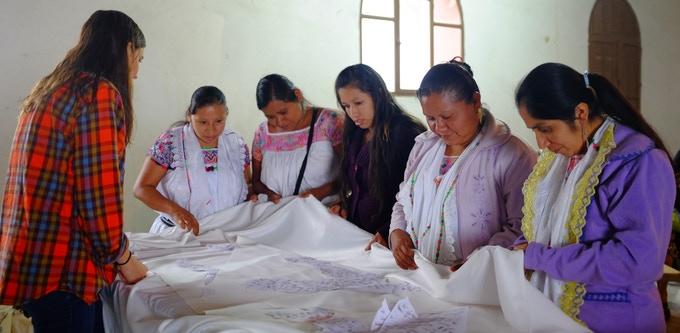 Claudia Toffano: vestidos de novia bordados por artesano