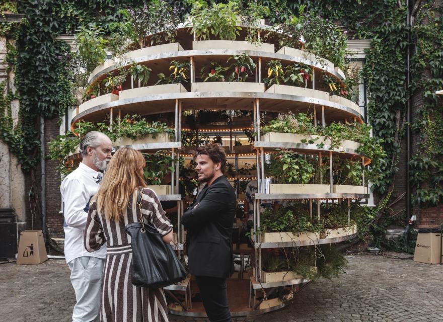 Grow Room, un huerto vertical por Space10 para IKEA