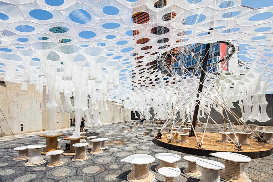 Pabellón temporal por Jenny Sabin Studio para MoMA PS1