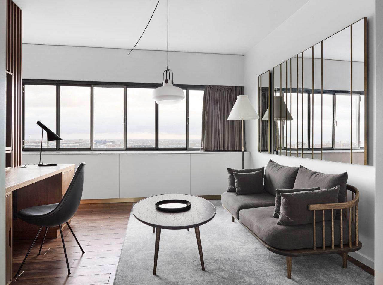 Space Copenhagen renueva el mobiliario para hotel diseñado por Arne Jacobsen